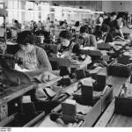 Bundesarchiv Bild 183 80093 0001 VEB Kleiderwerke Diamant Plankontrolle 150x150 - Recht auf Arbeit